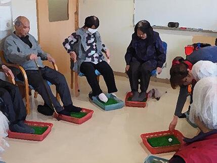 介護職による集団訓練